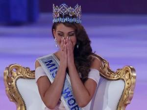 Rolene Strauss, de 22 anos, venceu a competição de beleza neste ano.