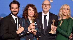 Equipe vencedora do Globo de Ouro por Transparent, da Amazon