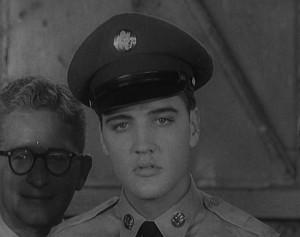 Entrevista com Elvis Presley, aos 23 anos, é um dos destaques da coleção de vídeos.