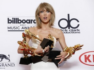 Taylor Swift ganhou oito prêmios do Billboard Music Awards 2015