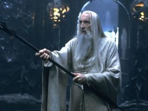 Christopher Lee em cena de 'O Senhor dos anéis: A sociedade do anel'