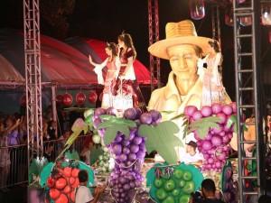 canoas-o-canoense-prefeitura-governo-do-rio-grande-do-sul-ocanoense-notícias-Desfiles-da-Festa-da-Uva-2016-têm-atrações-musicais-antecipadas