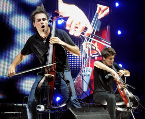 15023_2cellos_1_fotodivulgacao2cellos
