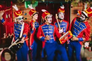 maior_orquestra_de_brinquedos_by_raul_krebs
