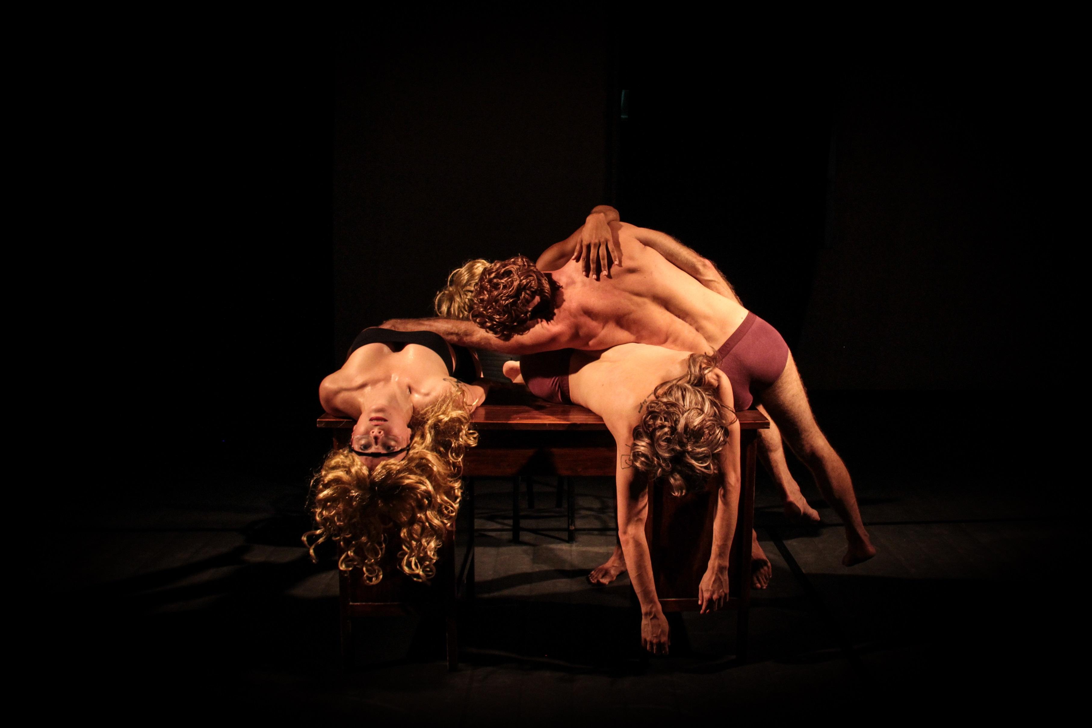 """Espetáculo """"INcompatível"""", da Eduardo Severino Companhia de Dança integra a programação da mostra """"Gestos Contemporâneos. Foto: Divulgação/SescRS"""