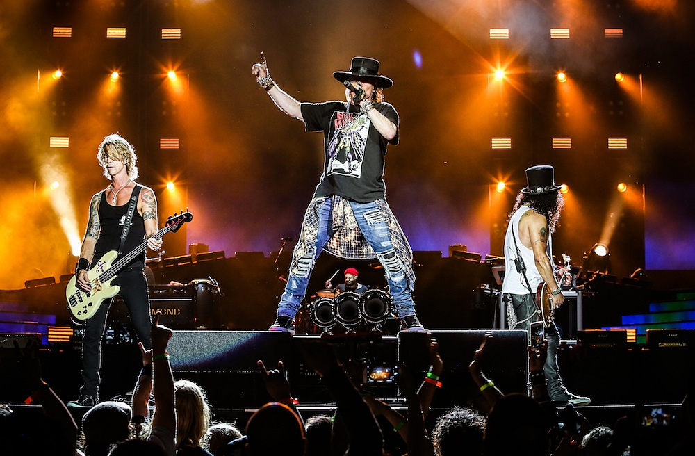 gunsnroses-live-2016-axl-slash-duff-1