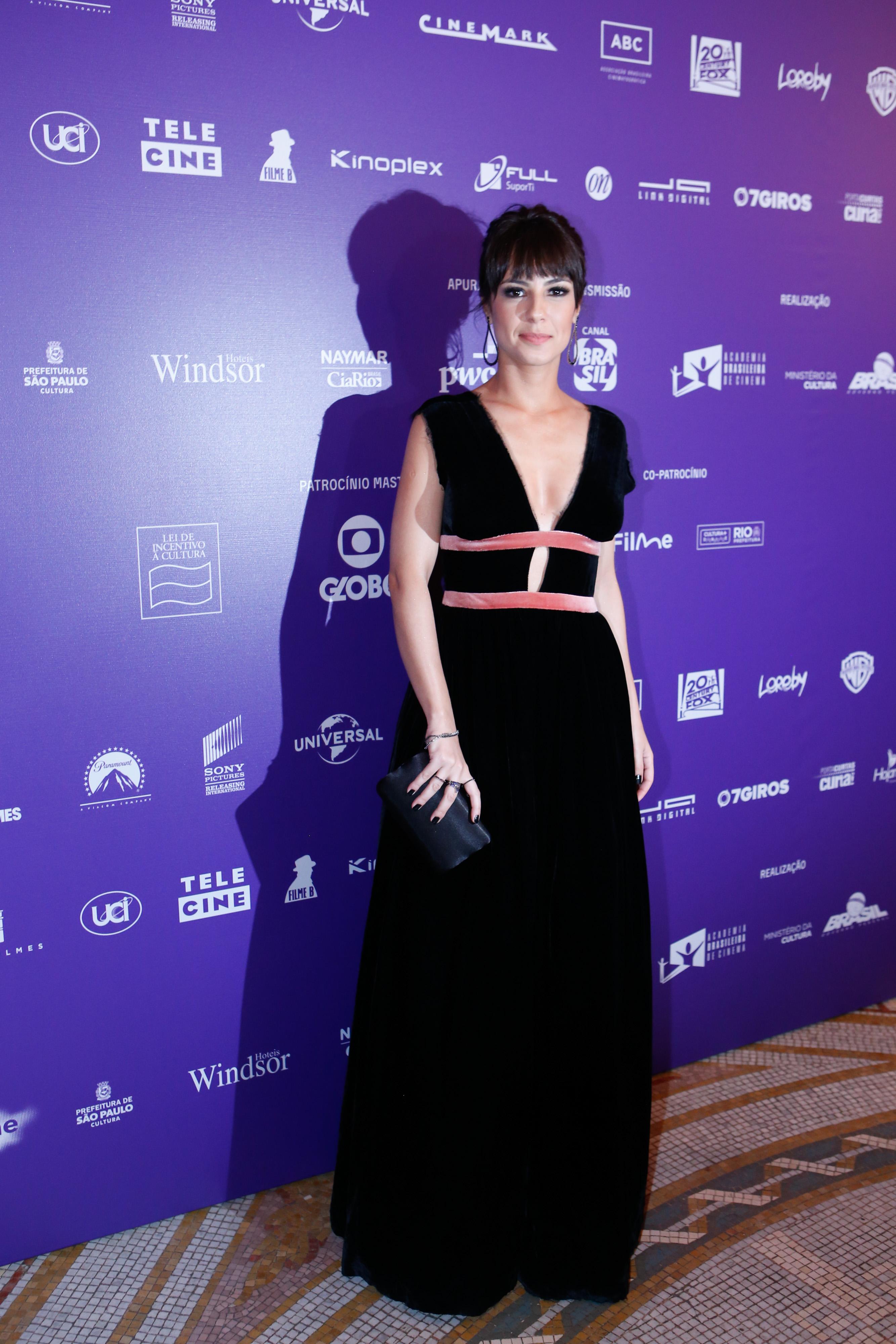 """Andreia Horta A Cura aquarius"""" é eleito o melhor longa-metragem no 16º grande"""